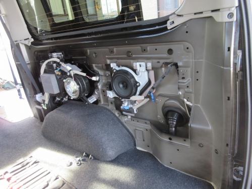 Rear Speaker (12)
